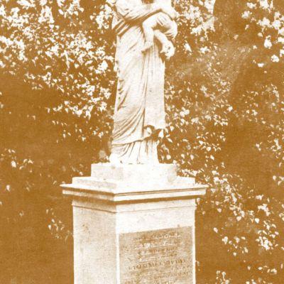 Socha sv. Anny od Štefana Ferenczyho z r. 1835 (snímka cca z 30. rokov 20. storočia)